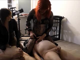 Sklaven fressen Sperma